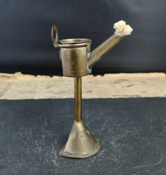 Antique table top cigar lighter, wall mountable