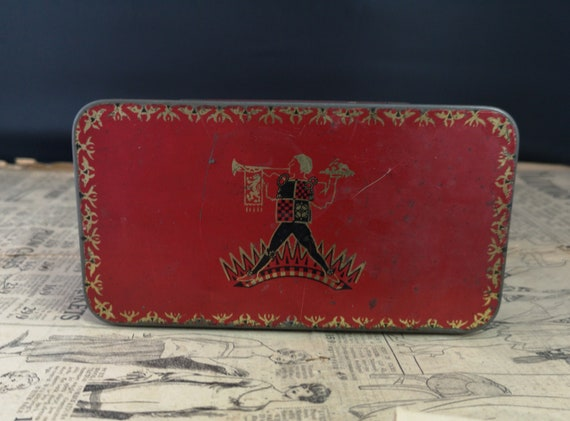 Rustic Vintage Red tin, Jacobs cream crackers, 1920s