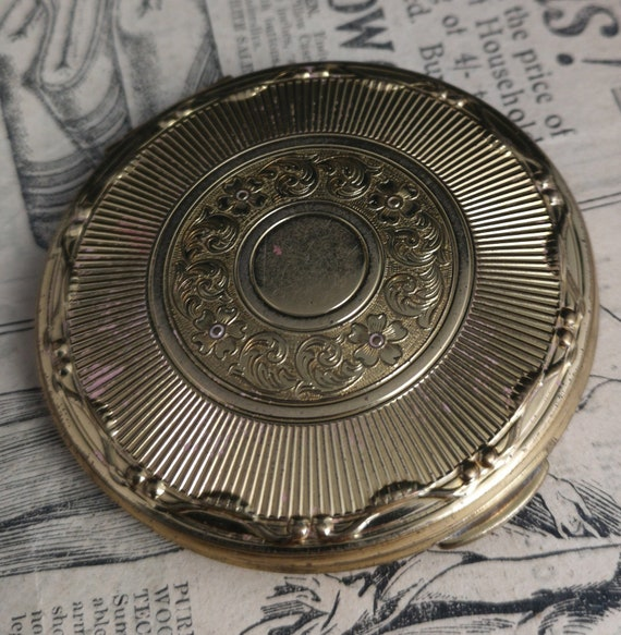 Vintage 50's Kigu powder compact, gold tone cosmetic compact, mirror