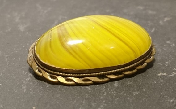 Georgian agate brooch, pinchbeck mount, huge yellow agate, antique brooch