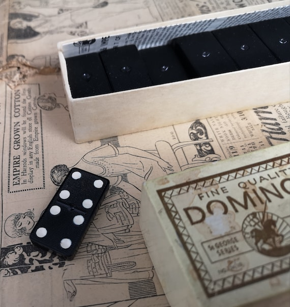 Vintage 50's dominoes, St George series, crystalite, boxed