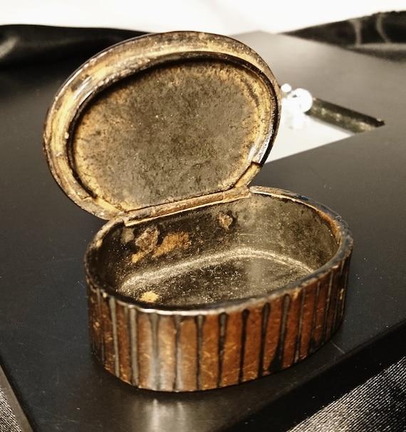 Georgian snuff box, antique papier mache snuff