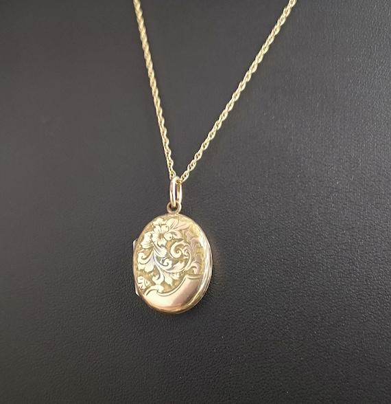 Antique gold locket, 9ct gold chain, photo locket