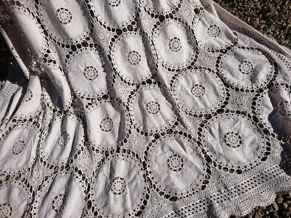 Large antique tablecloth, Victorian crochet, antique table linen