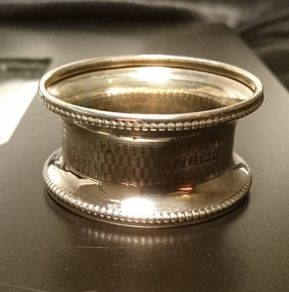 Antique sterling silver napkin ring, fully hallmarked, attractive design, fluted rim, 1913, napkin holder