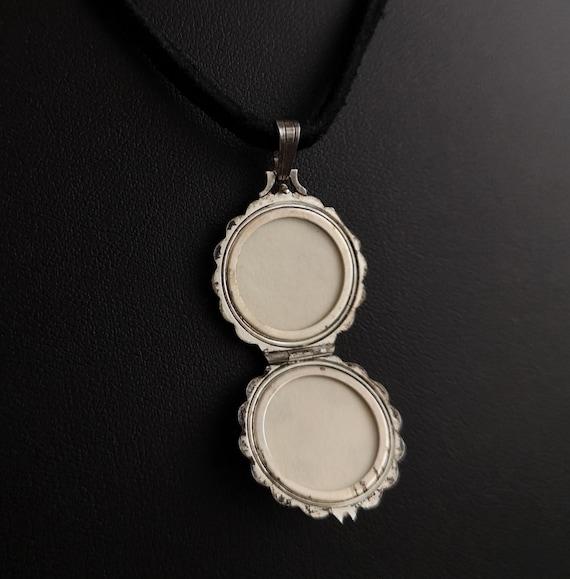 Vintage silver locket, mother of pearl, Rose - image 7
