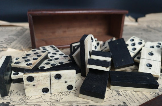 Antique bone dominoes, bone and ebony, boxed