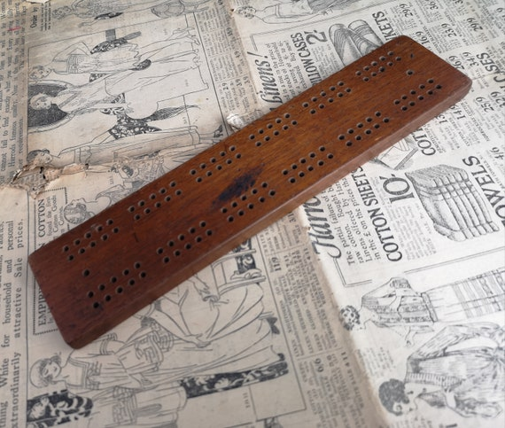 Vintage 30's cribbage board, rustic, wooden