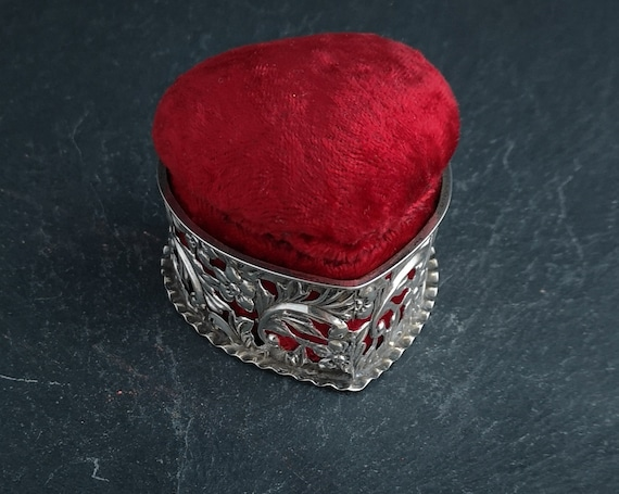 Antique Victorian sterling silver and red velvet ring box, jewellery box