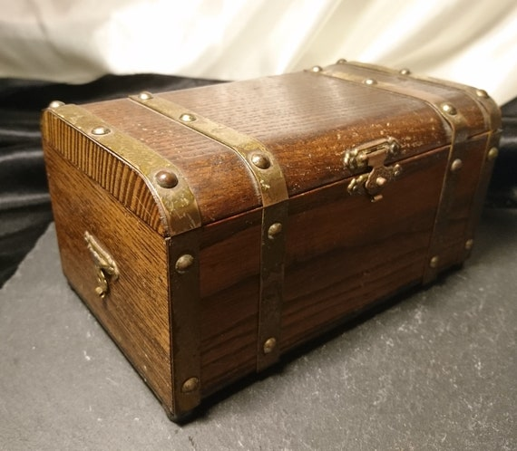 Antique jewellery chest, treasure chest, Edwardian jewellery box, brass bound
