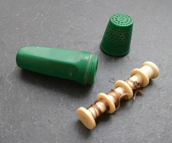 Vintage French novelty bobbin holder and thimble, cotton spool, 1940's