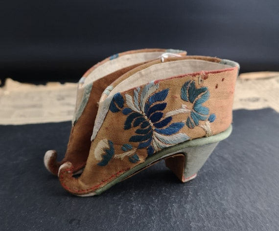 Antique Chinese Lotus Shoes, bound feet shoes