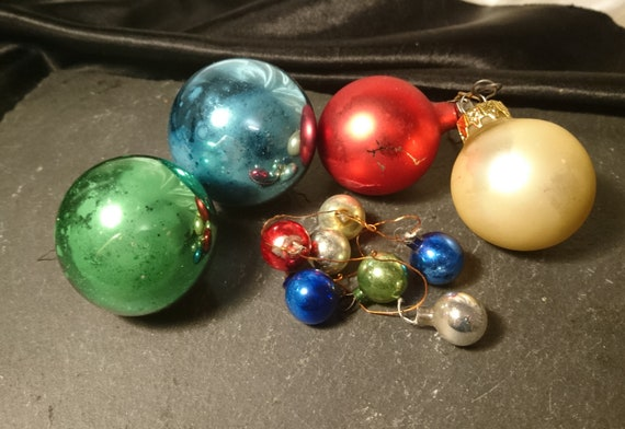 Vintage Christmas baubles, mini baubles, large baubles, vintage Christmas decorations