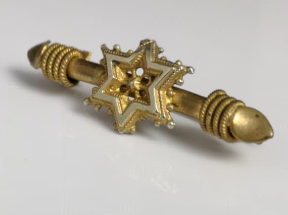 Victorian gilt star brooch, costume jewellery, antique gilt brooch