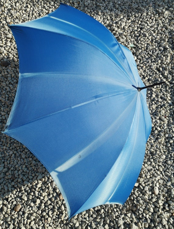 Vintage 20s umbrella, sky blue, pearlised handle