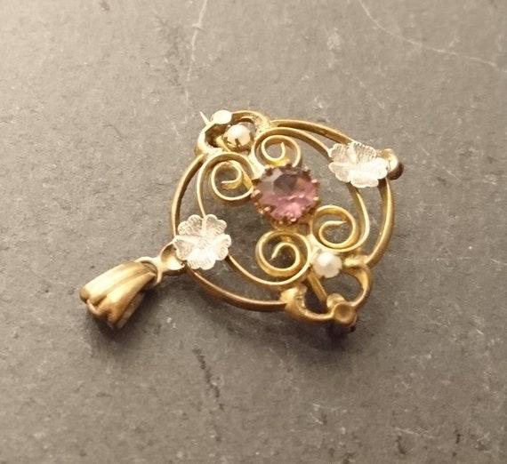 Edwardian pinchbeck and paste brooch, amethyst paste, four leaf clover, pendant loop