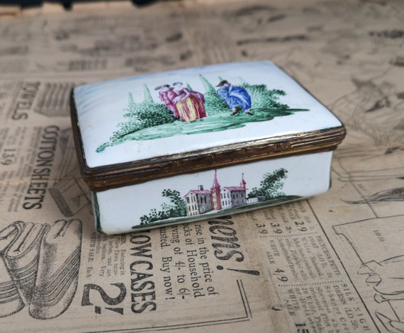 Antique German enamel snuff box, bombe shaped, 18th century hand painted