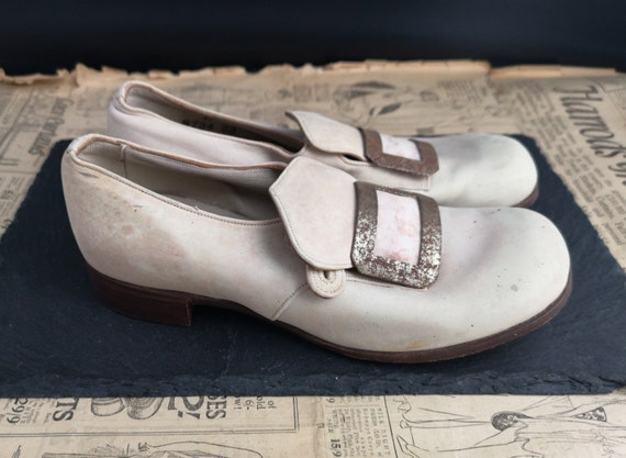 Vintage children's buckle shoes, 1930's Start Rite