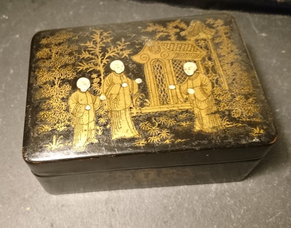 Antique Victorian chinoiserie box, papier mache, gilt, hand painted Japanese scene, jewelry box, trinkets