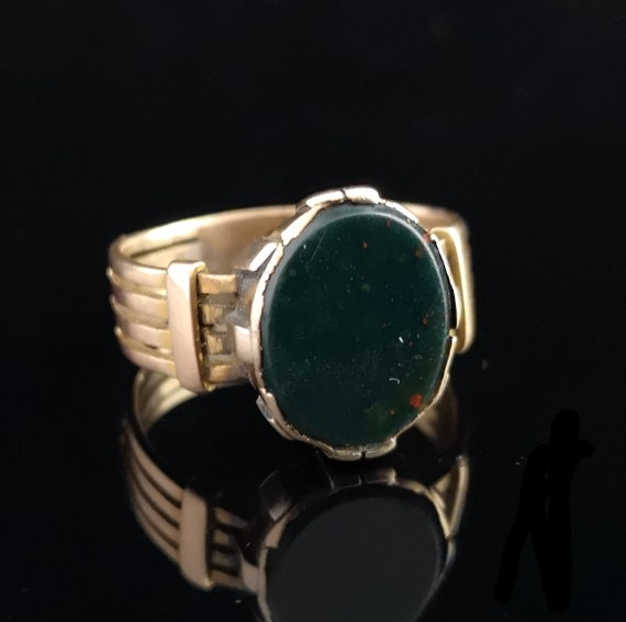 Antique bloodstone signet ring, 9ct Rose gold, Edw