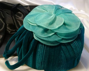 Vintage 50's emerald green velour hat, cloche style, Mitzi Lorenz, ladies vintage hat