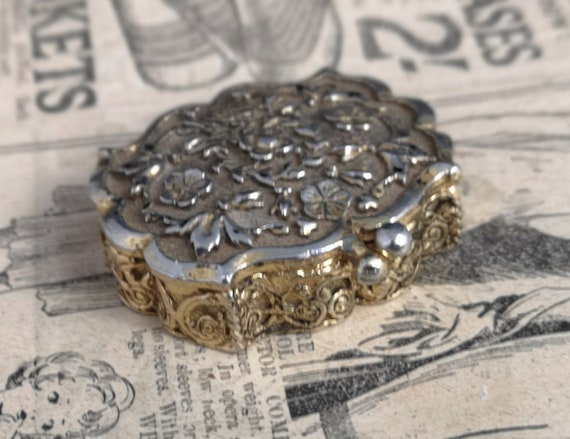 Vintage 50s floral pill box, pill pot, by Mascot
