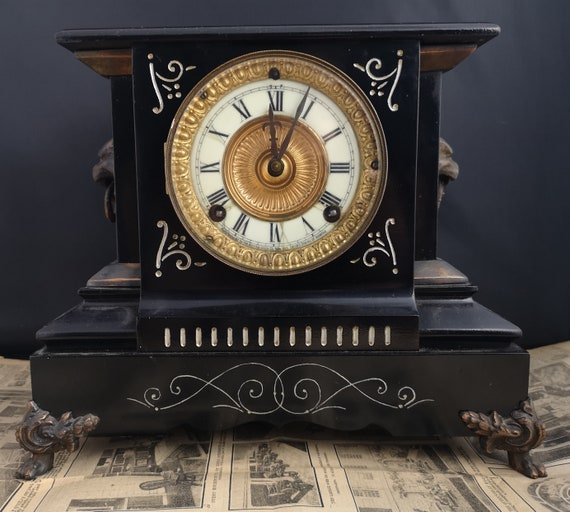 Antique Ansonia mantle clock, cast iron, working with key