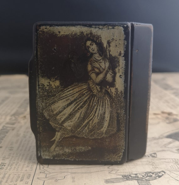 Antique Georgian snuff box, papier mache, transfer printed, maiden, fairy