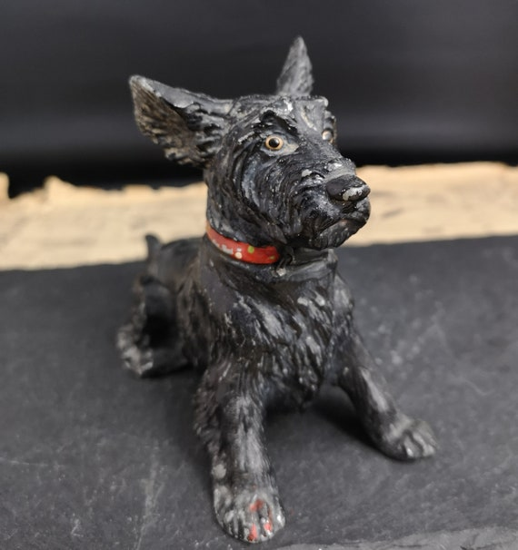 Vintage novelty table vesta and ashtray, cold painted terrier