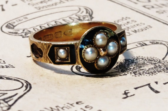 Victorian mourning ring, Mother, 15ct / 15kt gold, black enamel and seed pearl with an interwoven hairwork band, forget me not flower