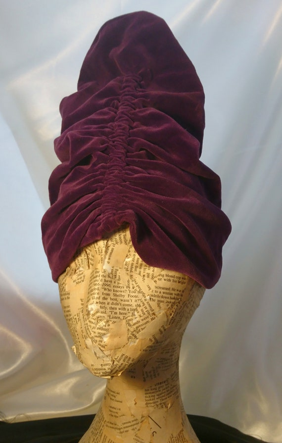 Vintage 1920's velvet turban, high turban, purple hat, theatre, picture hat