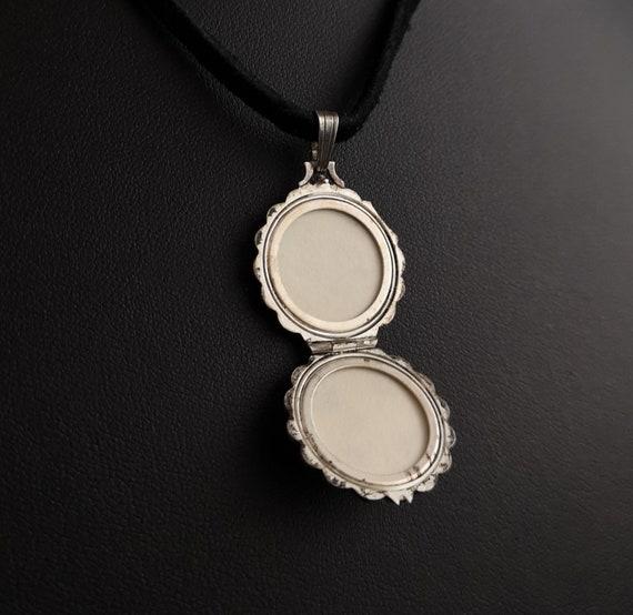 Vintage silver locket, mother of pearl, Rose - image 5