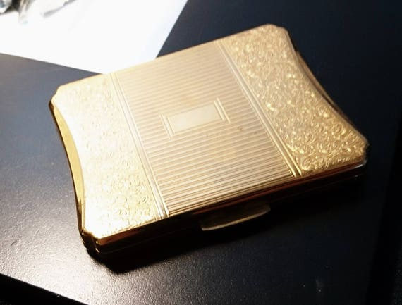 Vintage 1950's Kigu compact, gold tone, engine turned design cosmetic compact