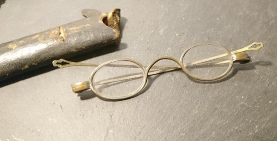 Antique brass spectacles, small lense, Victorian glasses, cased specs
