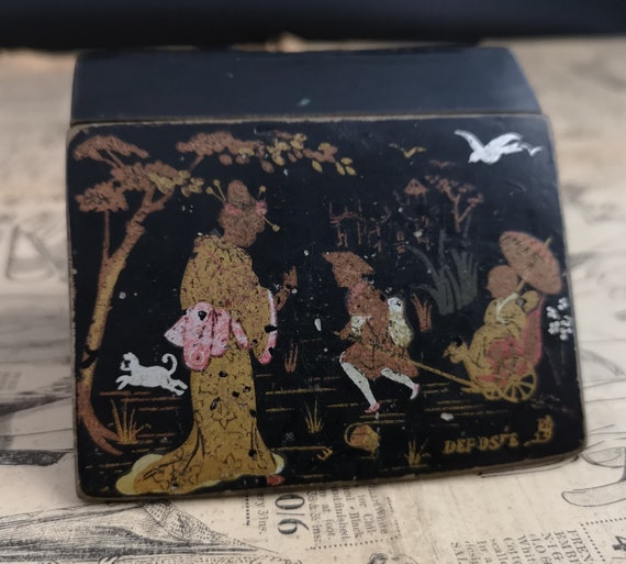 Antique chinoiserie box, papier mache and wood, gilt, hand painted Japanese scene, jewelry, trinkets, sewing