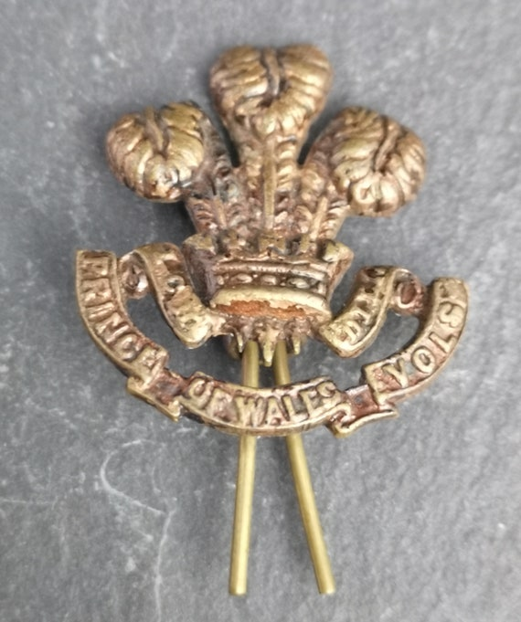Vintage WW2 collar badge, South Lancashire Regiment, Prince of Wales