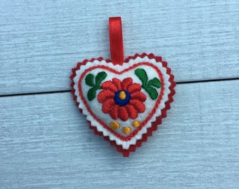 Embroidered Heart ornament (H3)