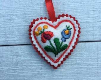 Embroidered Heart - with ribbon  (H1)
