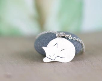 Silver Cat Charm, Gifts-for-sister, Gift for Cat Lovers, Beauty-gift, 925 Sterling Silver cat, Pet pendant, Cat pendant