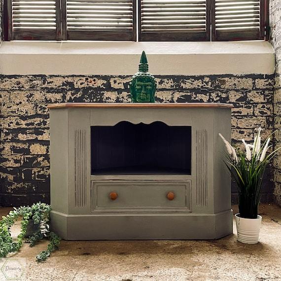 Tv corner Cabinet,Annie Sloan, Paris grey hand painted