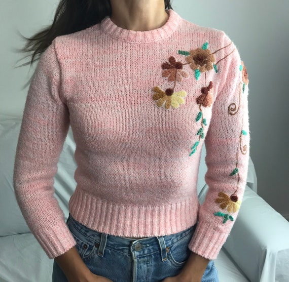 Vintage embroidered cropped sweater