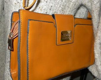 0cfe2ac5b6 HOBB'S great vintage tan leather shoulder bag,cross-body - Elegant sac à  bandoulière de HOBB