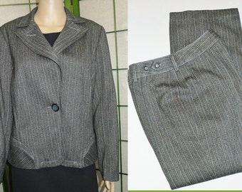 Elegant Women  Gray Pant  & Jacket  Suit - Sz M - Collection  LUCIEN DAUNOIS.