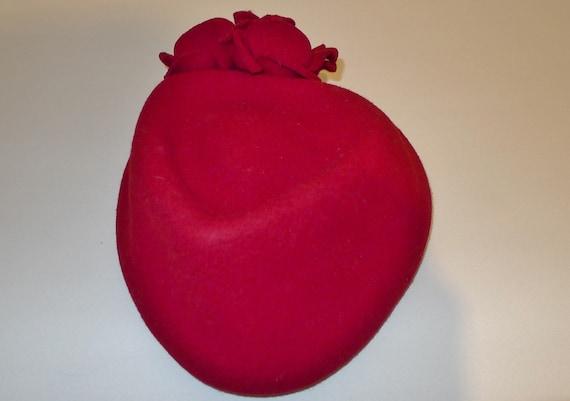 Beautiful vintage red felt fascinator hat - from … - image 3