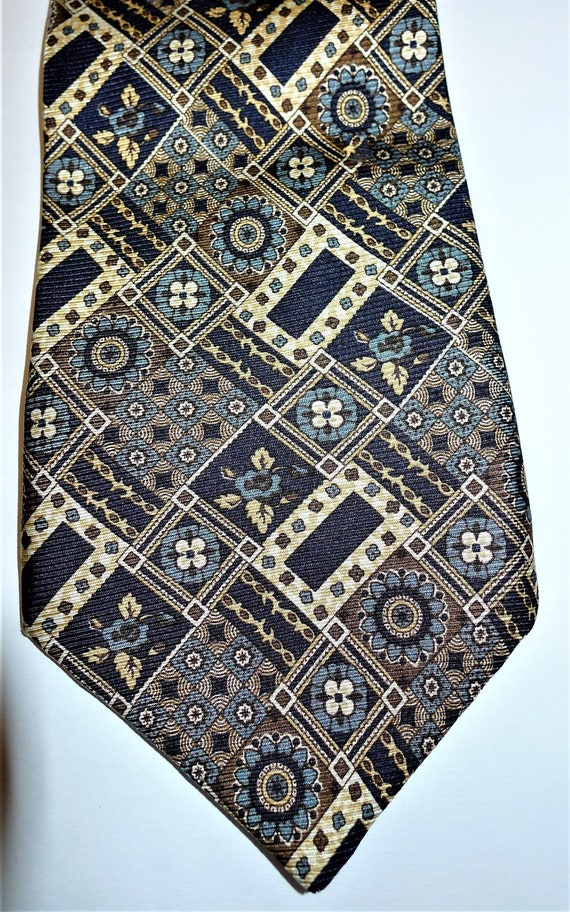 Chic silk tie by BRUSSELS VINCENT