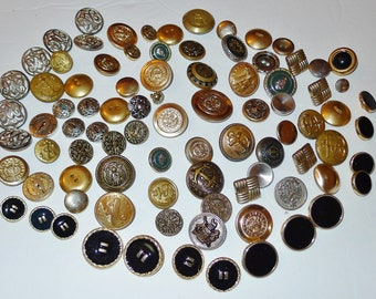 Lot of 75 vintage  metal buttons for  jackets, sweaters, blouse... in  great condition
