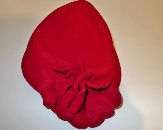 Beautiful vintage red felt fascinator hat - from … - image 4