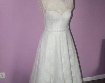 wedding style year 50 dress had: size 38