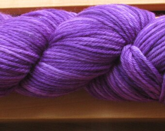 8Ply (DK), hand-dyed yarn, 100g - Ultra Violet