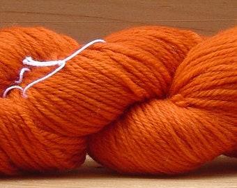 8Ply (DK), hand-dyed yarn, 100g - Rust